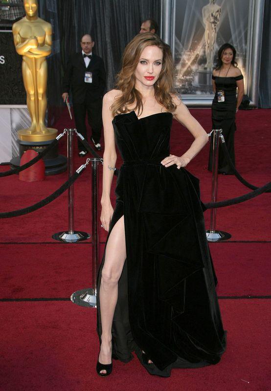 Świat śmieje się z tej stylizacji Jennifer Lopez (FOTO)