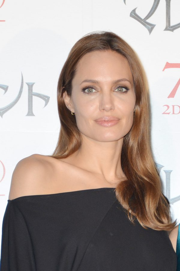 Niewiarygodne! Ona wygląda zupełnie jak Angelina Jolie!