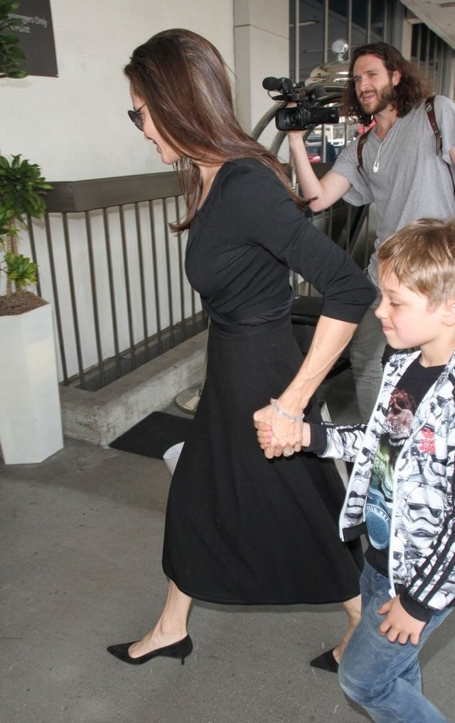 Czy Angelina Jolie wygląda, jakby umierała?