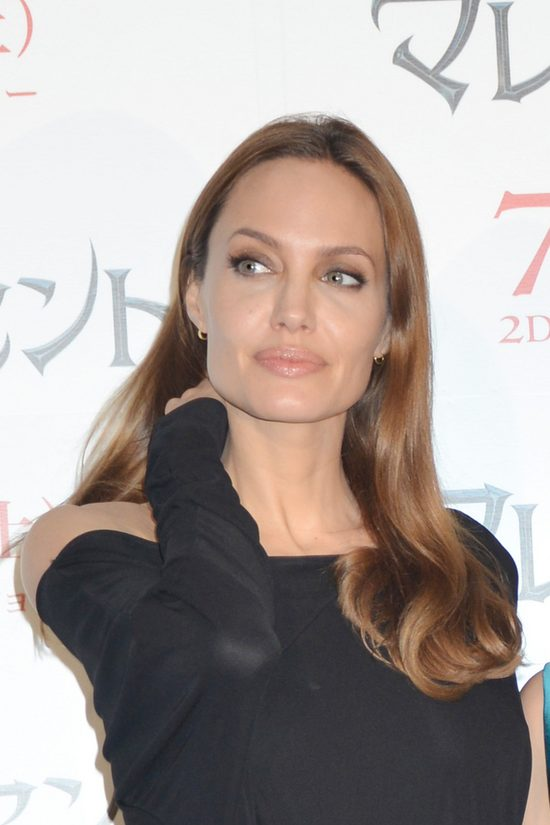 Angelina Jolie w Vogue: Mamy z Bradem swoje problemy (FOTO)