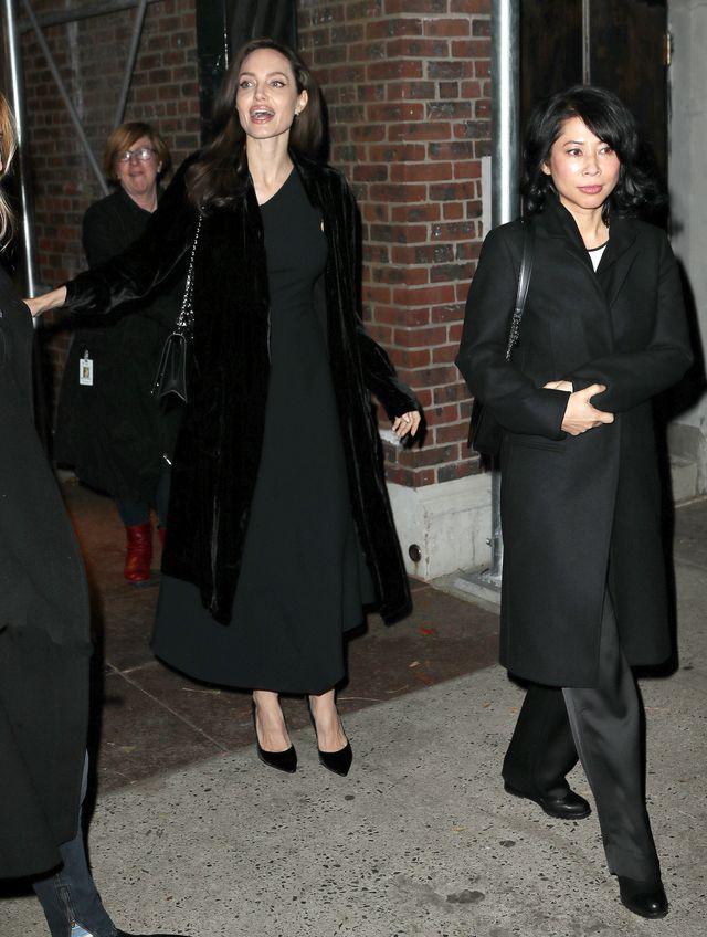 Angelina Jolie BEZ PHOTOSHOPA - jak wygląda naprawdę? (ZDJĘCIA)