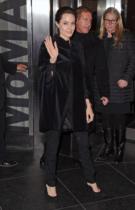 Angelina Jolie szczuplejsza od anio�k�w Victoria's Secret?