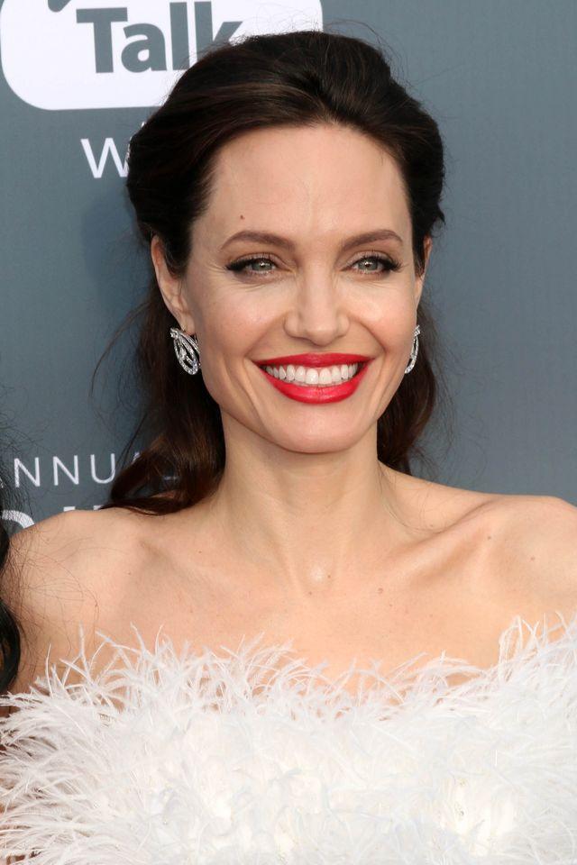 Angelina Jolie waży 35 KILOGRAMÓW. Te zdjęcia mają to potwierdzać