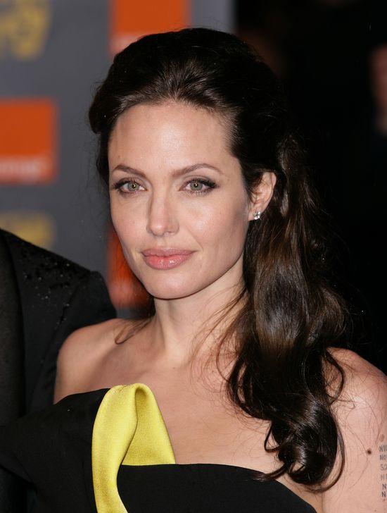 Angelina Joile: