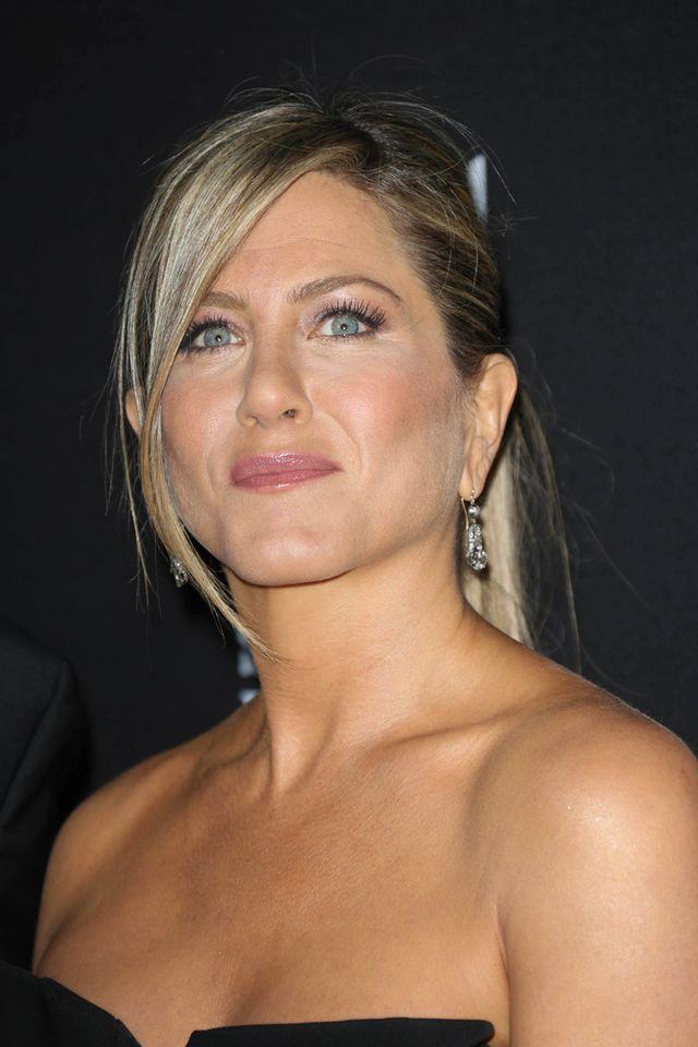 Jennifer Aniston kupuje ponoć niebieskie ubranka