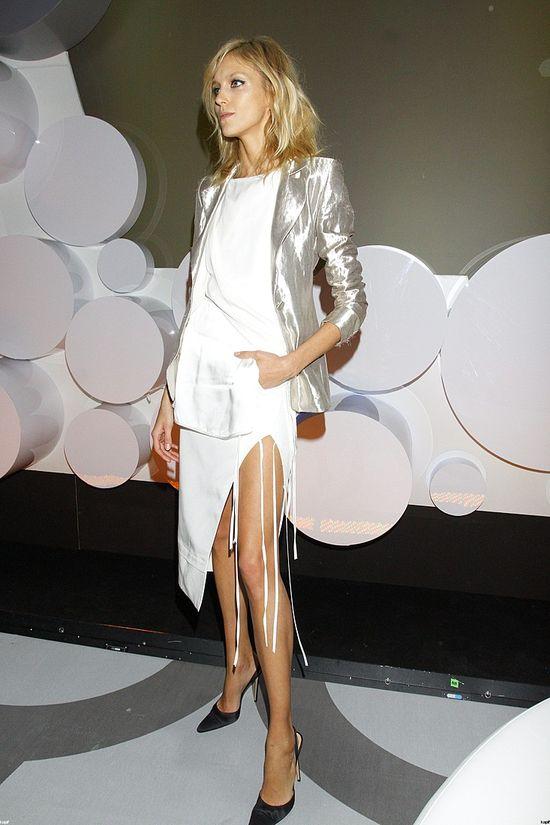 Najdłuższe nogi na salonach, czyli Anja Rubik (FOTO)