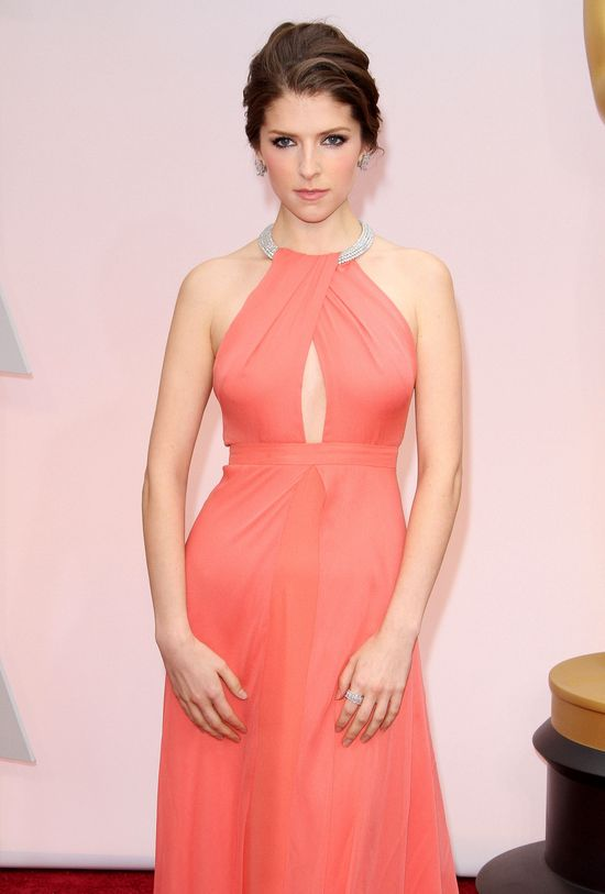 Suknia Anny Kendrick zdaniem Khloe nie nadaje się na Oscary