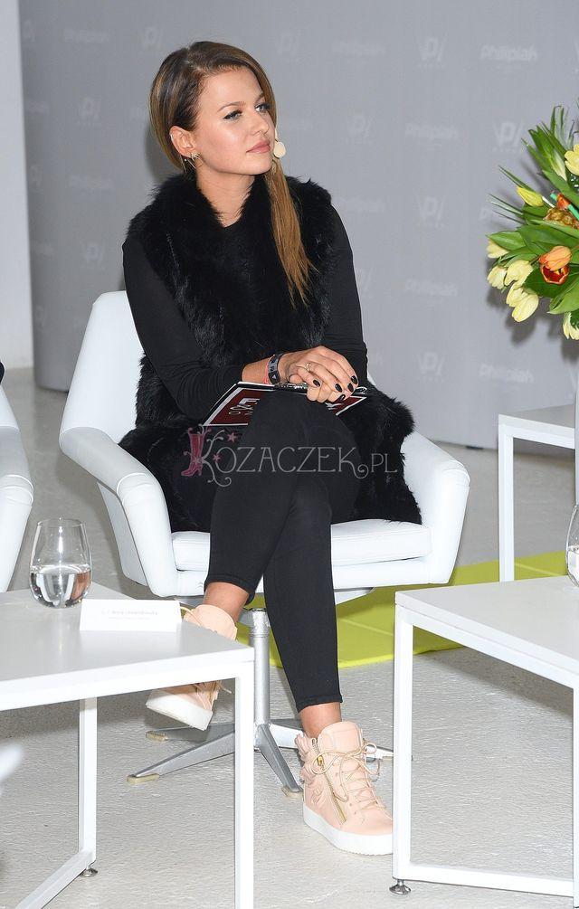 Na krótko przed porodem Anna Lewandowska pokazała swój BRZUSZEK w całej okazałoś