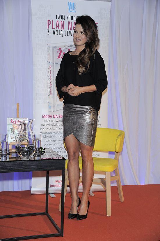 Anna Lewandowska pokazała zgrabne nogi... (FOTO)