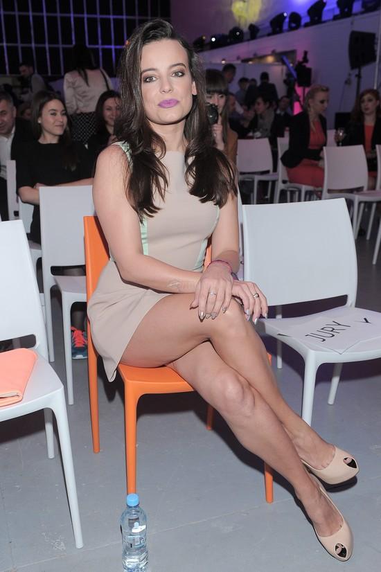 Anna Mucha pokazała nogi i... cellulit (FOTO)