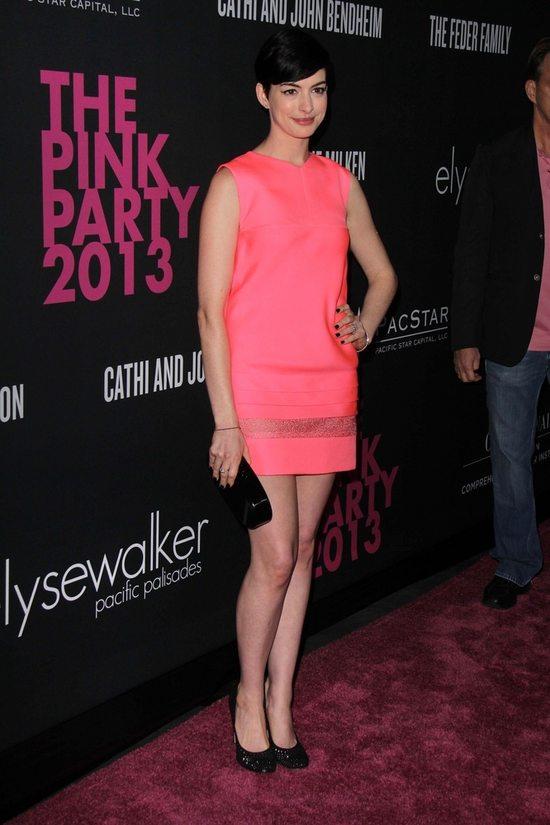 Anne Hathaway w szczytnym celu (FOTO)