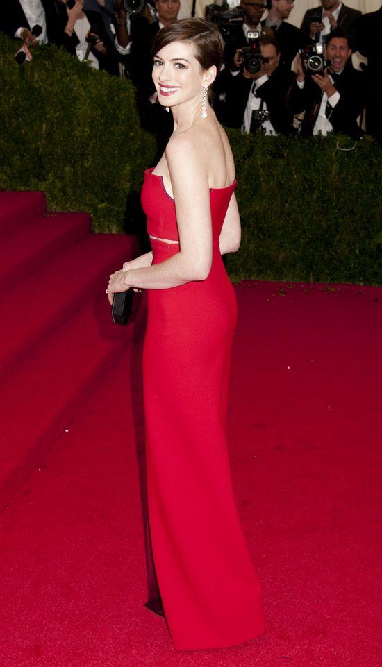 Anne Hathaway dawno nie wyglądała tak kiepsko (FOTO)