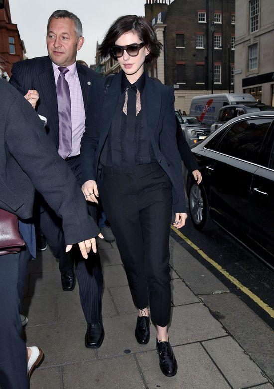 Anne Hathaway ciężko znosi hejt internautów