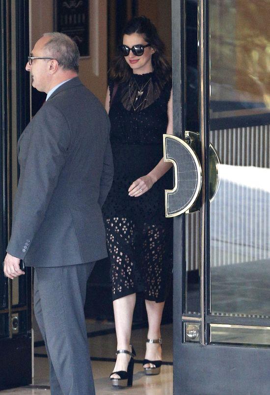 Pierwsze zdjęcia Anne Hathaway po porodzie