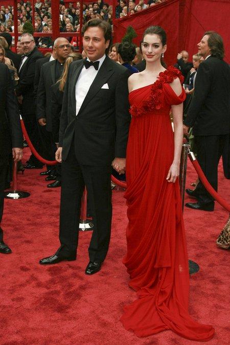 By�y Anne Hathaway �yczy jej szcz�cia z nowym facetem