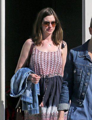 Anne Hathaway trzy miesiące po porodzie – wróciła do formy? (FOTO)