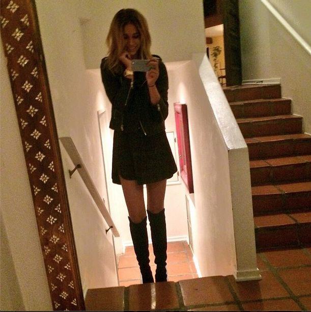 Dziewczyna Robina Thicke wypina się na Instagramie (FOTO)