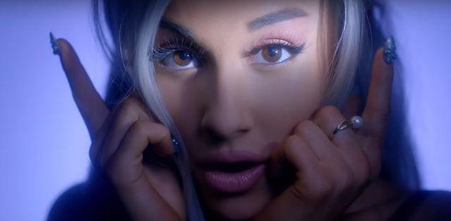 To najseksowniejszy teledysk Ariany Grande? (FOTO)