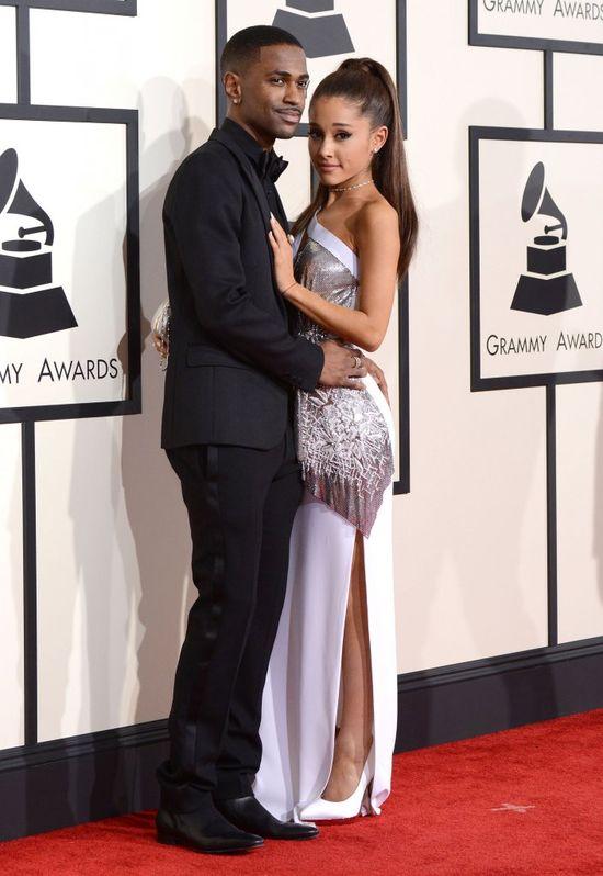 Ariana Grande przesadzi�a z ilo�ci� sztucznych w�os�w (FOTO)