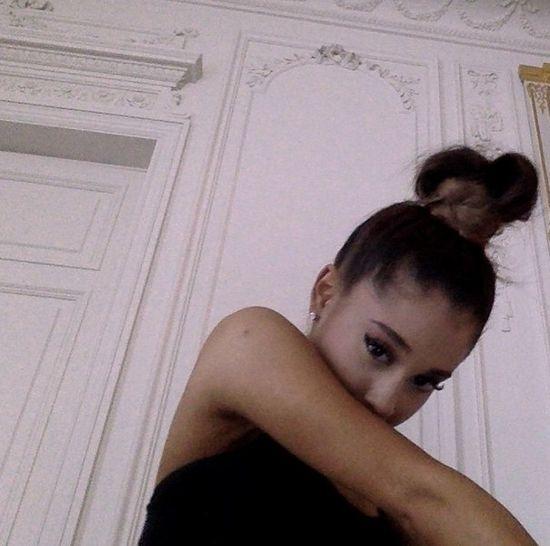 Jak wygląda Ariana Grande bez kucyka? (FOTO)