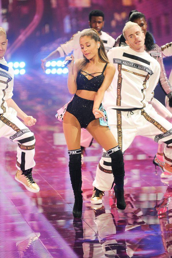 Arianę Grande dotknął komentarz, że jest chuda jak patyk
