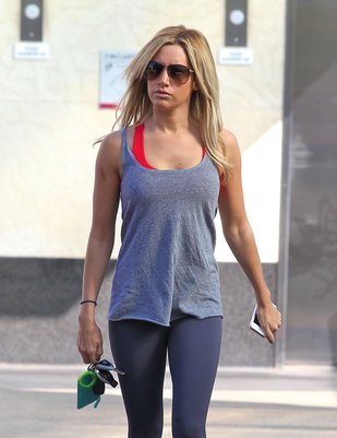 Ashley Tisdale dba o kondycję (FOTO)