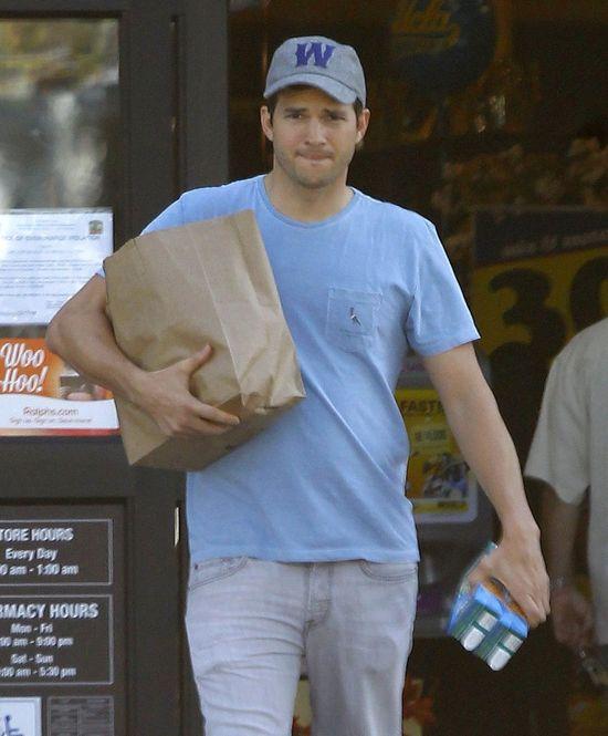 Ashton Kutcher t�umaczy, dlaczego nie zatrudni niani