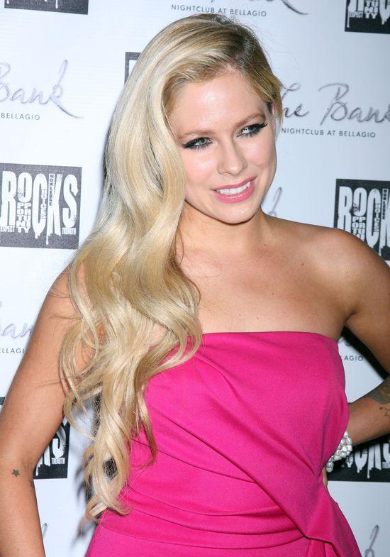 Avril Lavigne wciąż nas zaskakuje (FOTO)
