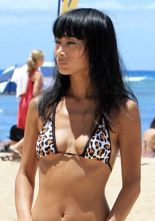 Ciężkie botki z ćwiekami do bikini (FOTO)