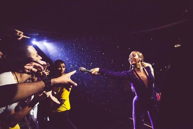 Beyonce wróciła do długich włosów (FOTO)
