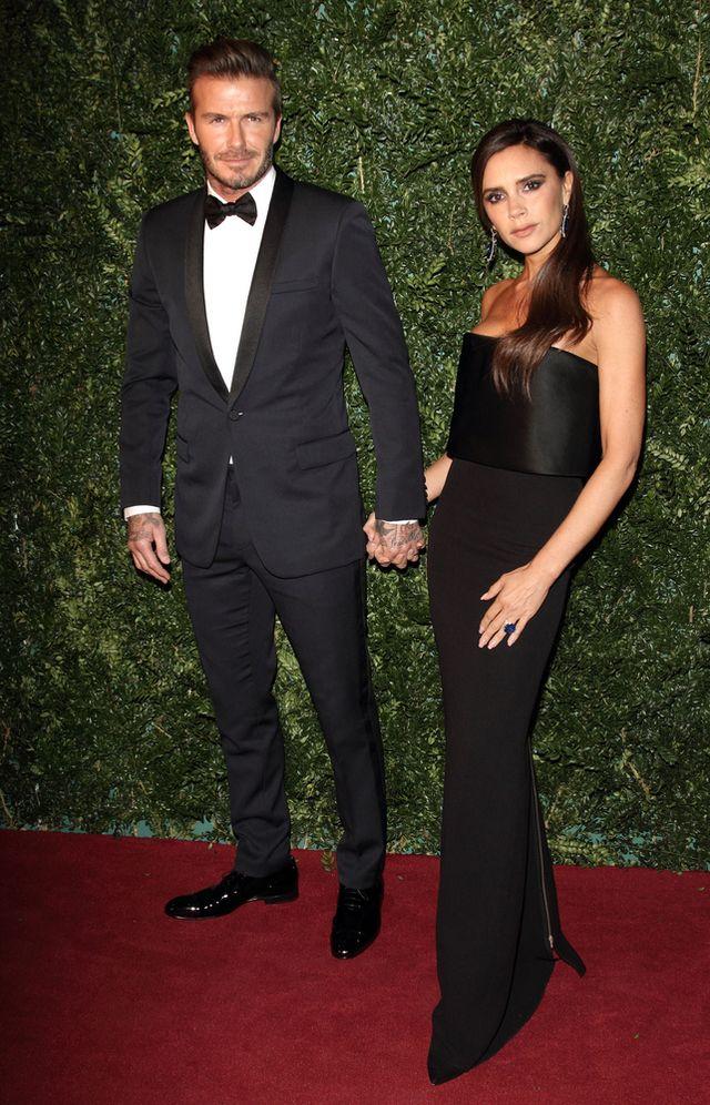 Victoria i David Beckhamowie za rączkę na imprezie (FOTO)