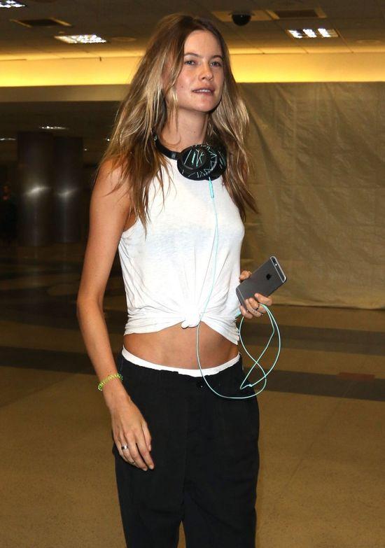 Spodnie omal nie spadły z jej wątłego ciała (FOTO)
