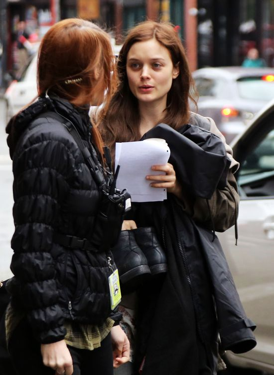 Bella Heathcote - to jej nienawidzą Kendall i Cara? (FOTO)