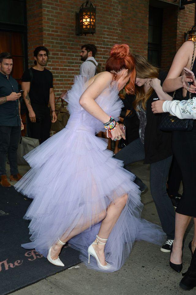 Kiedy Bella Thorne próbuje wyglądać jak księżniczka... (ZDJĘCIA)