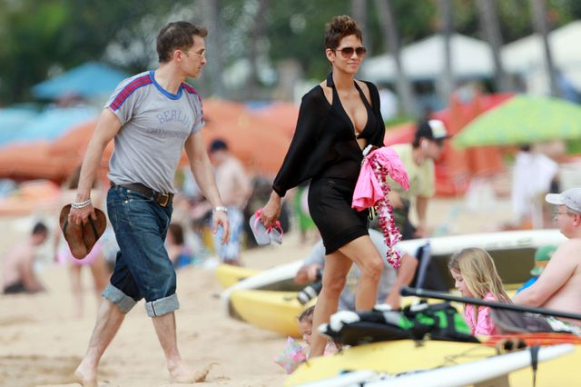 Helle Berry: gorąca mama na plaży