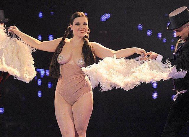 Betty Q topless nie rozpali�a publiczno�ci Mam talent (FOTO)