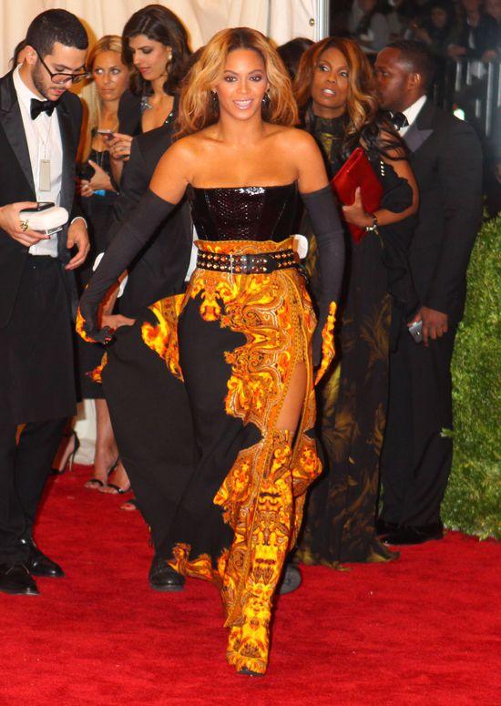 Beyonce w pysznej kreacji od Givenchy na MET Ball 2013 FOTO