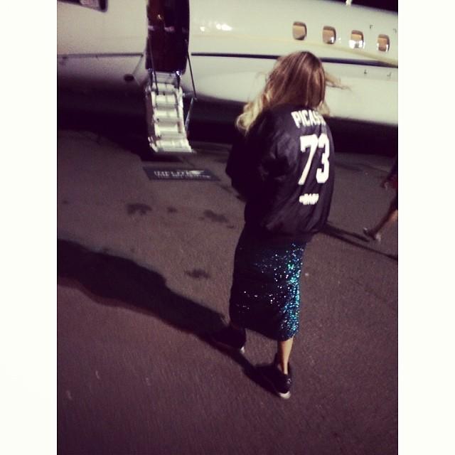 Beyonce w cekinowej kreacji i sportowych butach (FOTO)