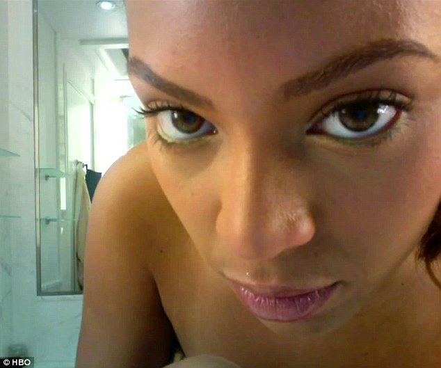 Beyonce pokazała rosnący ciążowy brzuszek (VIDEO)