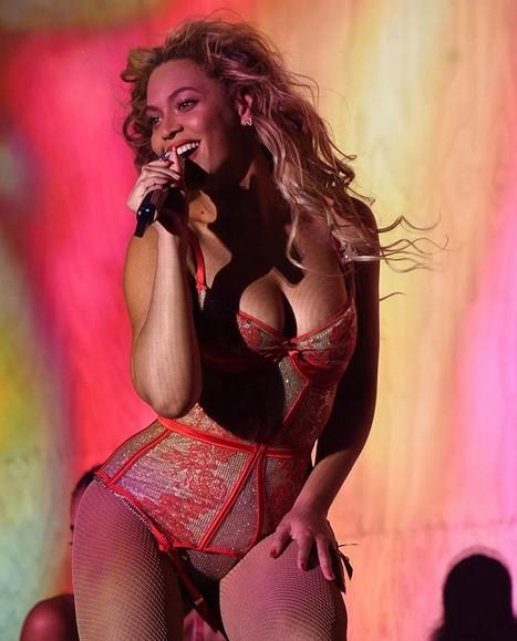 Co robił Jay Z, gdy Beyonce dawała koncert? (FOTO)