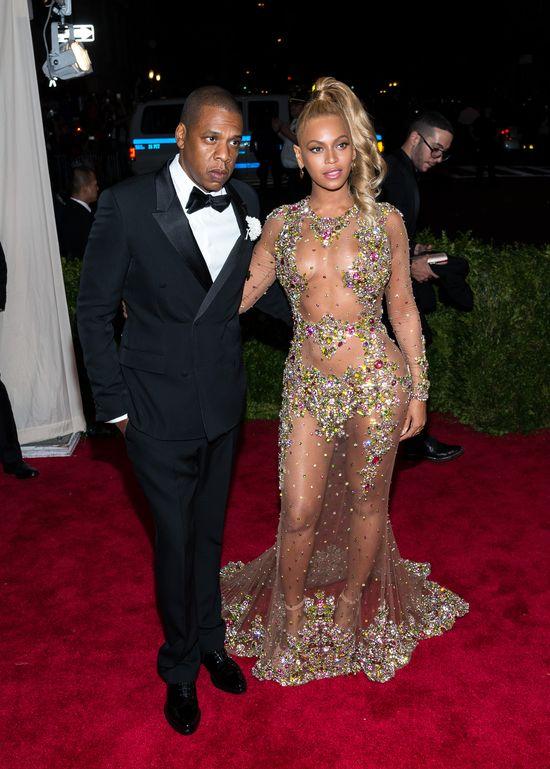 Przed wyst�pem Beyonce na Super Bowl, Jay Z...