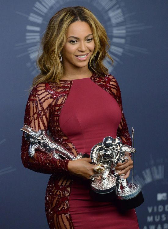 Eksperci widz� napi�cie w zachowaniu Bey Z na MTV VMA
