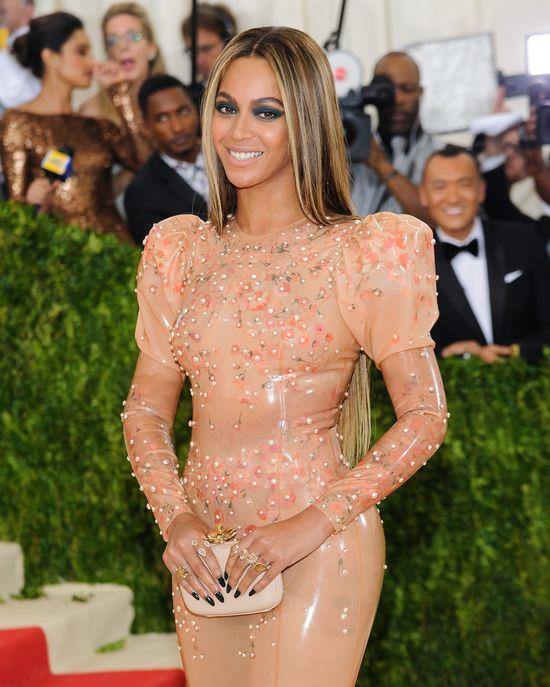 Amy Schumer o sobie i Beyonce: Wygl�da�y�my jak dzi*ki!