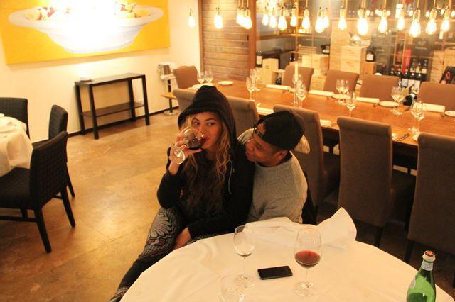 Beyonce pije wino (FOTO)