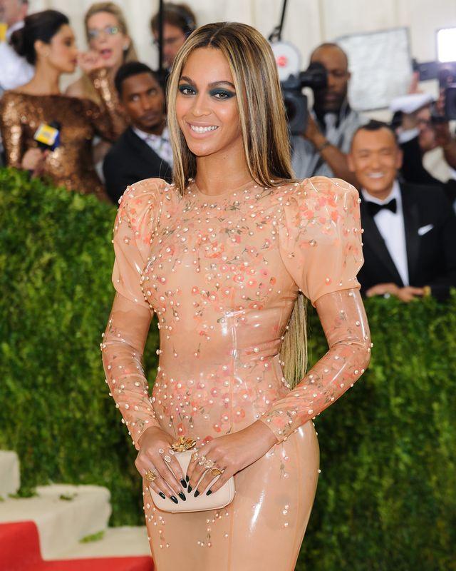Jak często Beyonce zmienia swojego maila?