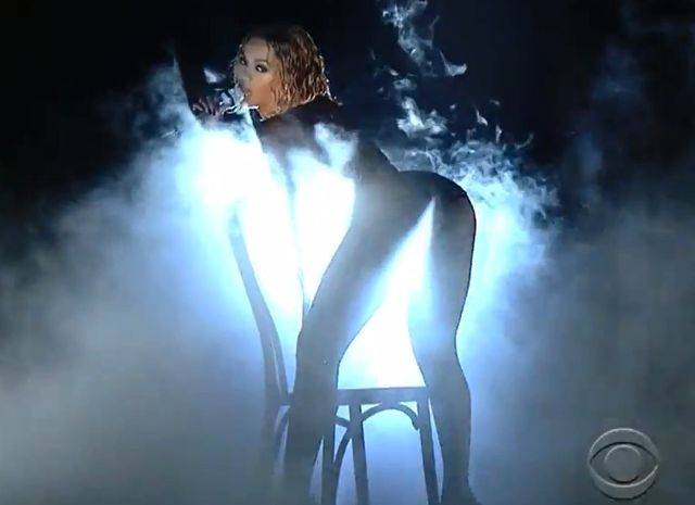 A taki wstęp dali Beyonce i Jay Z na Grammy 2014 (VIDEO) beyonce kosyium grammy 2014