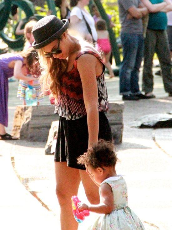 Beyonce - baardzo gorąca mamuśka! (FOTO)