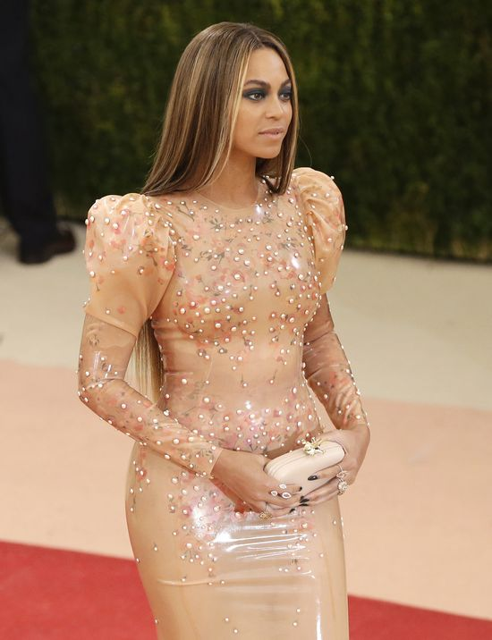 Beyonce zagra�a na nosie Kim Kardashian