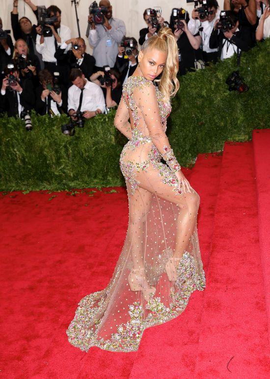 Ojciec Beyonce zdradził PRAWDZIWY wiek córki! (FOTO)