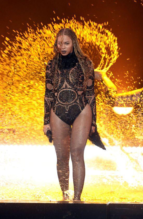 W końcu! Na scenie obok Beyonce pojawił się ON!